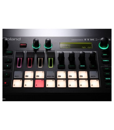 GROOVEBOX ROLAND MC-101
